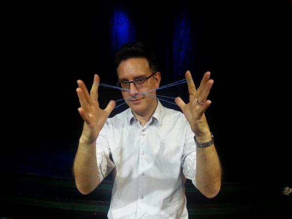 Jon Allen visade flera fina effekter med gummiband