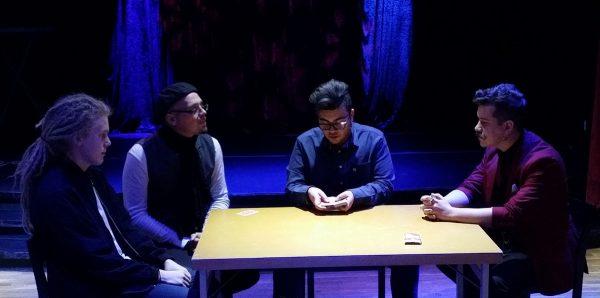Hassan trollar med Oliver, Gaston och Samuel