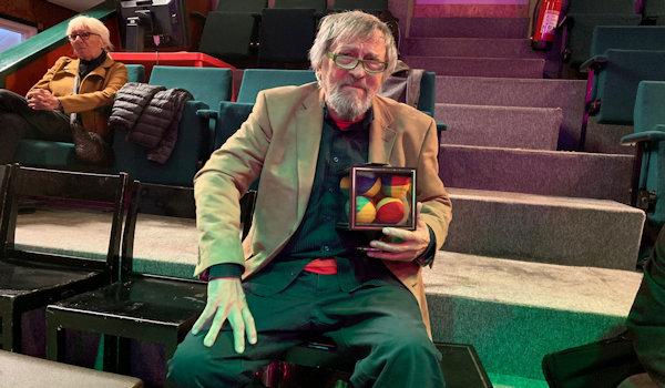 Lennart Green med sitt nya fynd Ball Teleportation