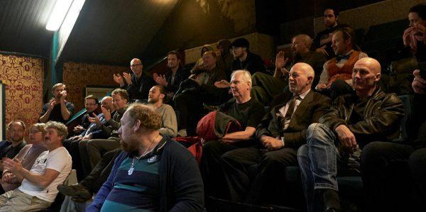 Publiken bedömer de tävlande